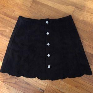 Button scallop skirt